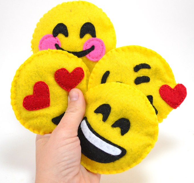 diy emoji cat toys