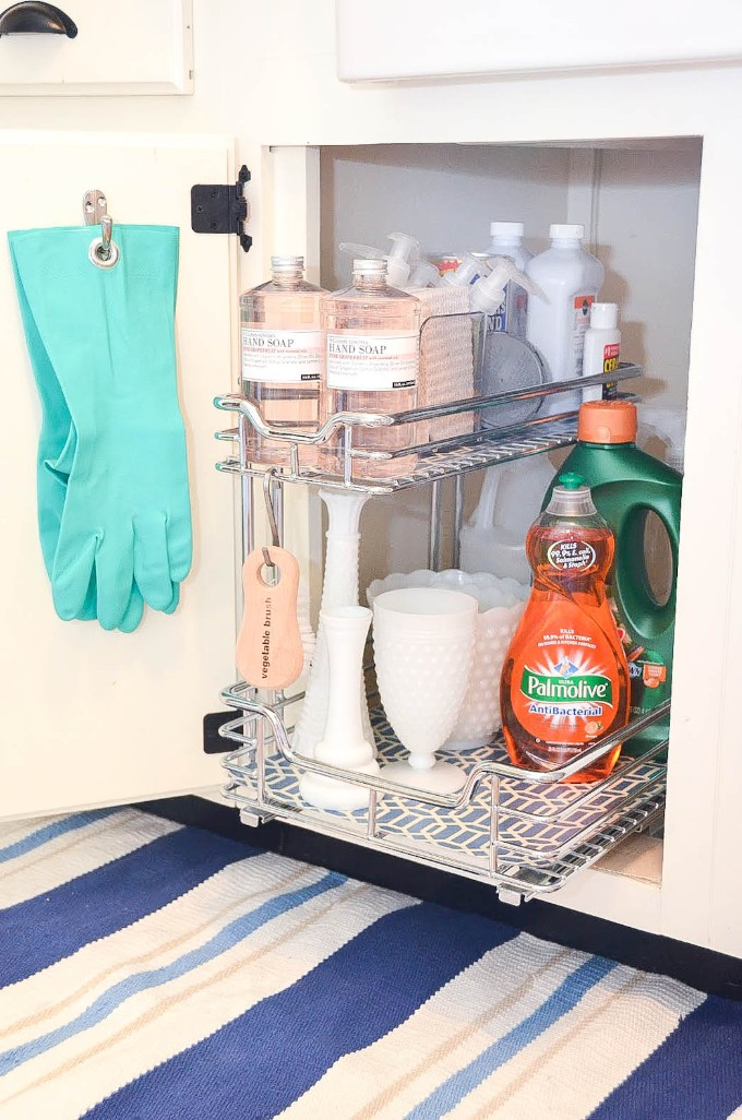 how to store cleaning gloves