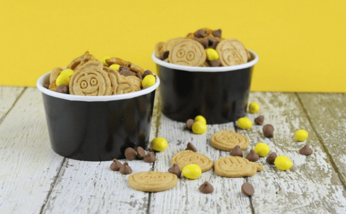 emoji snack mix idea