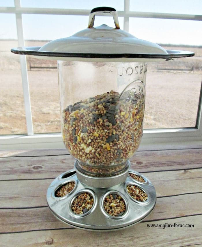 unique mason jar bird feeder