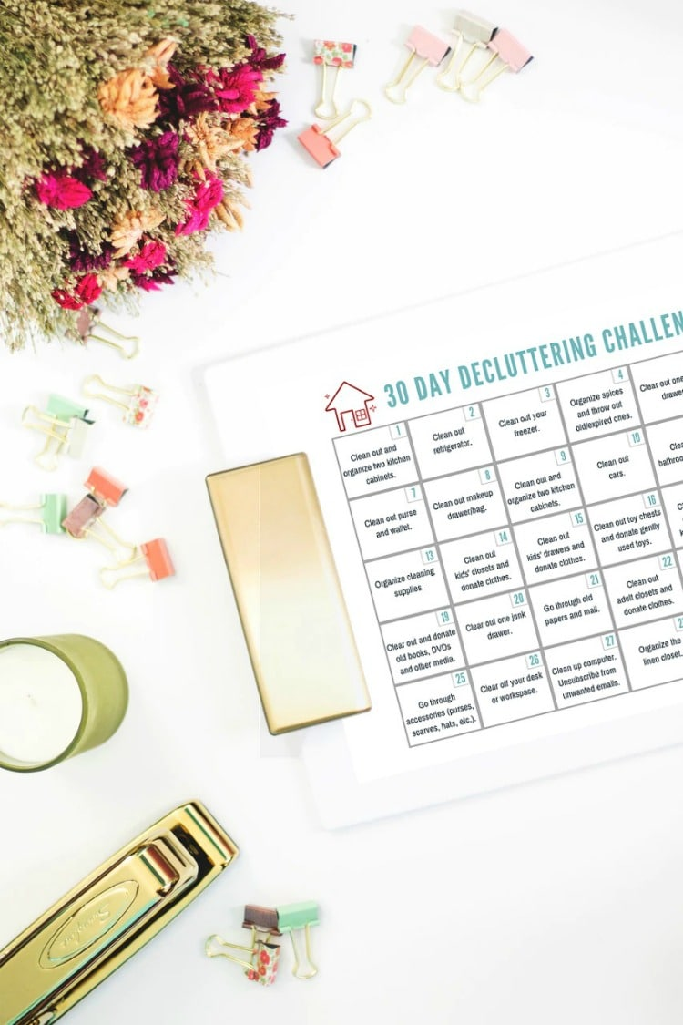 30 Day Declutter Challenge to Get Your Home in Order - Free Printable to Help You Get Organized!